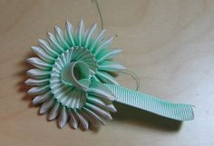 Black Tulip: How to make a pleated ribbon cockade