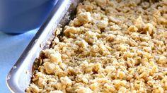 Feiner Crumble mit Apfel, Rosine und Zimt: Apfelauflauf mit Streuseln (Crumble) | http://eatsmarter.de/rezepte/apfelauflauf-mit-streuseln-crumble