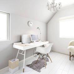 Znowu jutro do biura! 🙁 Tylko ładne i wygodne miejsce pracy może poprawić ten dzień. Mamy dla Ciebie ofertę: do końca sierpnia 2017 wszystkie biurka Cupertino i konsole Bordeaux zamówisz taniej o 10%. Więcej info na boconcept.com    #boconcept #boconceptpoland #bcpl Foto: @biseikatsu22 👍 #backtowork #backtoschool #office #homeoffice #desk #work #cupertino #danishdesign #interiordesign #design #furniture #home #homedecor #decor #inspiration #designporn #homeinspiration #style #wystrojwnetrz…