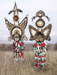 Wilder Mann 77 by Charles Freger Cultures Du Monde, World Cultures, We Are The World, People Of The World, Costume Tribal, Shaman Ritual, Charles Freger, Costume Ethnique, Rose Croix