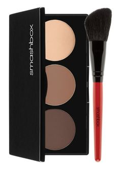 Adding depth and dimension to the face with this Smashbox kit that includes shades to contour, bronze and highlight in a few simple steps.