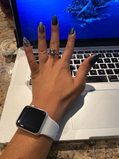 Nails all dayyyyy Apple Watch, Smart Watch, Nails, Fashion, Moda, Smartwatch, Ongles, Finger Nails, Fasion