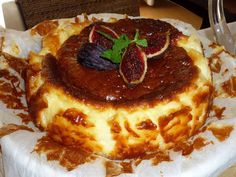 Cheesecake from La Viña Restaurant - Types of Cheese 1001 Mexican Food Recipes, Sweet Recipes, Dessert Recipes, Desserts, Bakery Recipes, Cooking Recipes, Cheesecake Recipes, Minis, Sweet Tooth