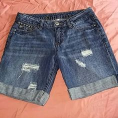 Lauren Conrad distressed Bermuda shorts size 2 new LC LAUREN CONRAD BRAND NEW WITHOUT TAGS INSIDE THE PLASTIC STICKERS THAT SPELLS LAUREN CONRAD IS PEELING OFF SIZE 2  DISTRESSED STUDS ON TOP OF SMALL FRONT POCKET FIVE POCKETS ZIP FLY BUTTON CLOSURE FOLD OVER CUFF AT THE BOTTOM ANYMORE QUESTIONS PLEASE ASK LC Lauren Conrad Shorts Bermudas
