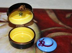 Hey, I found this really awesome Etsy listing at https://www.etsy.com/listing/151670975/limoges-box-parisian-hat-box-miniature