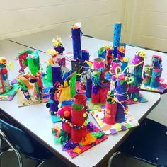 Kindergarten sculptures lil_monsters_art - make into city sculptures?Kindergarten sculptures👌🏼👌🏼👌🏼super fabulous, creative and colorful! Kindergarten Sculpture, Kindergarten Art Lessons, Art Lessons Elementary, 3d Art Projects, Sculpture Projects, First Grade Art, Preschool Art, Recycled Art, Art Plastique