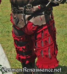 Patterning instructions and assembly notes for 16th c. German Landsknecht hosen (slashed trousers) that are strong and sturdy!