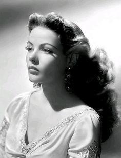 Gene Tierney So beautiful Glamour old hollywood Hollywood Stars, Hollywood Icons, Old Hollywood Glamour, Golden Age Of Hollywood, Vintage Hollywood, Hollywood Glamour Photography, Hollywood Street, Old Hollywood Actresses, Old Hollywood Movies