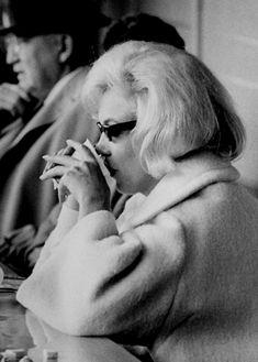 Marilyn Monroe, candid