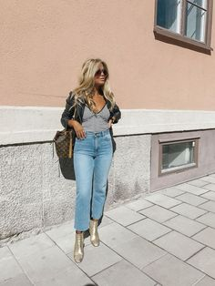 JEANS // Anine Bing BOOTS // TOP // JACKET Just landed at home in my couch, and here you have todays outfit. More from today will be up tomorrow! x // Landade precis hemma i soffan, och här har ni da