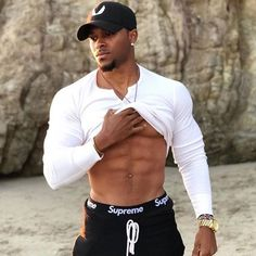 No matter whether you just want to lose a few pounds for a wedding, or make a total body transformation, you need to know about fitness. Many people don't Gorgeous Black Men, Fine Black Men, Hot Black Guys, Handsome Black Men, Black Boys, Fine Men, Handsome Man, Dark Man, Chocolate Men