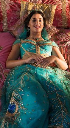 Princesa Disney Jasmine, Disney Princess Jasmine, Princess Jasmine Costume, Cinderella Princess, Princess Aurora, Princess Bubblegum, Naomi Scott, Cute Beauty, Beauty Full Girl