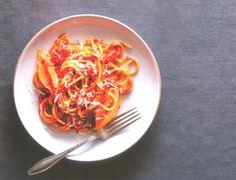 2 molhos de tomate simples