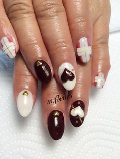 【Valentine's Nail】  素敵なバレンタインをお過ごし下さいね✨  #Chocolate  #ChocolatNail #Heart  #Love❤️ #Check #Nail #NailArt #NailDesign  #箕面 #北摂 #NailSalon #Mfleurs #NailArtist #Mayu #네일 #네일아트 #美甲 #美甲師 #Swarovski #Bijou