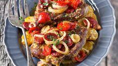 Původ živáňské pečeně je poněkud nejasný a složení se také hodně mění. Pork Tenderloin Recipes, Pork Recipes, Ham, Sausage, French Toast, Paleo, Food And Drink, Low Carb, Lunch