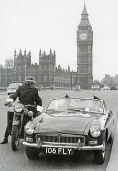 1959 Police MGB on Westminster Bridge. Classic Cars British, British Sports Cars, Nanjing, Mg Cars, London History, Important People In History, Morris, Cabriolet, Road Trip
