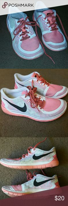 Nike Girls size 6Y Free 5.0 tennis shoes Nike Girls size 6 Y Nike Free 5.0 tennis shoes. Multi-colored white, pink and black in color. Lace up shoes.  Great used condition. Nike Shoes Sneakers