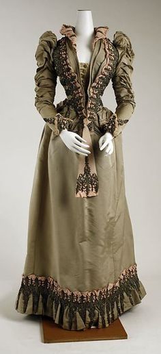 1890 Ladies Dresses |