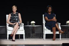 Michelle Obama e Charlize Theron: «Le donne intelligenti non hanno bisogno di uomini» - VanityFair.it