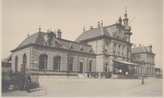 Oude bestaande gebouwen in Delft station Delft 1892