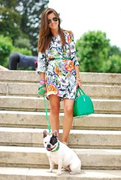 floral print dress, statement color bag, and a cute pup