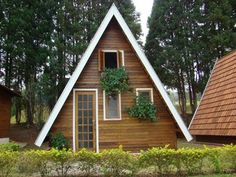 A Frame Cabin, A Frame House, Cabana, Huron House, Pallet House, Micro House, Tiny House Cabin, Small Places, Home Reno