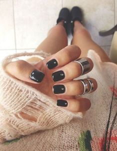 Nice short black nails for young womens