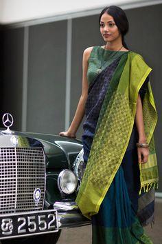 Aduru Kaley Saree by FashionMarket. India Fashion, Ethnic Fashion, Asian Fashion, Indian Attire, Indian Ethnic Wear, Indian Style, Saree Blouse Designs, Blouse Patterns, Indian Dresses