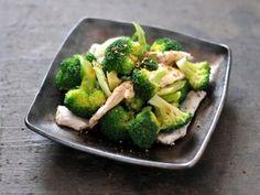 ボリューム満点!ブロッコリーと鶏胸肉の和風サラダ