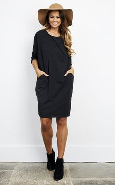 This loose fitting dress is a great piece to own this time of year. It will see you through the seasons with its versatility and effortless style.  Dress it up or down as and when you please - check it out in other colours too.