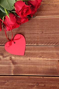 Tag do presente do valentim e rosas verm.