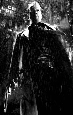 "Bruce Willis in ""Sin City (Frank Miller's Sin City)"" (2005). DIRECTOR: Robert Rodriguez, Quentin Tarantino, Frank Miller."