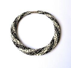 beaded necklace - © V. Luftensteiner by Donauluft, via Flickr