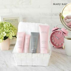 Mary Kay Botanical Effects, Imagenes Mary Kay, Mary Kay Brasil, Mary Kay Party, Mary Kay Ash, Mary Kay Cosmetics, Pink Bubbles, Beauty Consultant, Healthy Skin Care