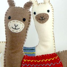Sewing Stuffed Animals This listing is for a felt llama stuffed animal hand sewing pattern. Alpacas, Llama Stuffed Animal, Sewing Stuffed Animals, Sewing Toys, Sewing Crafts, Sewing Projects, Softies, Felt Crafts, Kids Crafts