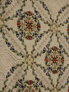 Incredible quilting on this superb appliquéd quilt
