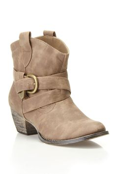 Adam Short Boot.  If I wore short boots, I'd wear these...