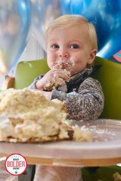 Give your 1-year old the best birthday cake surprise ever! #smashcake #smashcakerecipe #babysfirstbirthday #birthdaycakerecipe #firstbirthdaycake