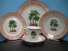 20 Pcs PALM TREE porcelain Dinnerware for This service for 4 includes: Dinner plates. Aprox :D 11 Salad plates.Aprox :D . Tropical Dinnerware, Porcelain Dinnerware, Dinner Plates, Dinner Ware, Dinner Sets, Tropical Decor, Bars For Home, Palm Springs, Palm Trees