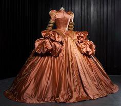 Mirror Mirror (2011) Costume design: EIKO ISHIOKA - Evil Queen, orange court gown worn by Julia Roberts.