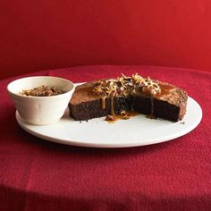 Flourless Chocolate-Pecan Cake