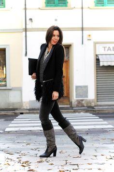 black gray fur coat boots heels irene's closet irene colzi fashion blogger outfit streetstyle  www.ireneccloset.com