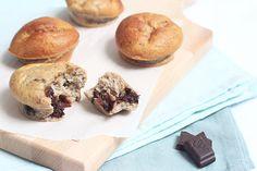 Deze banana bread muffins met chocolade zijn snel en simpel te maken met slechts 6 ingrediënten.
