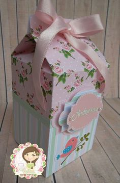 Caixa Milk Scrap Home Crafts, Diy And Crafts, Diy Paper, Paper Crafts, Milk Box, Birthday Bag, Packing Boxes, Favor Boxes, Craft Gifts