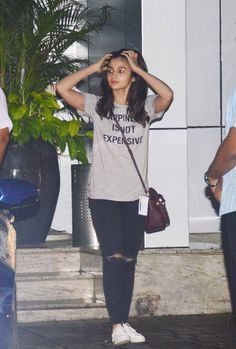 Alia Bhatt at the Mumbai airport. #Bollywood #Fashion #Style #Beauty #Cute