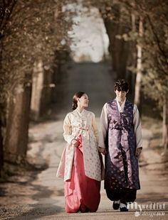 Her hanbok and jacket remind a me a little of Jane Austen's time period.
