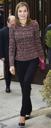 22 Nov 2016 - Queen Letizia visits the Spanish Episcopal Conference. Click to read more