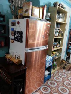 cover dull, white fridge with copper contact paper. Refrigerator Makeover, White Refrigerator, Gold Contact Paper, Contact Paper Countertop, Copper Appliances, Diy Kitchen, Kitchen Ideas, Lodge Decor, Diy Home Improvement