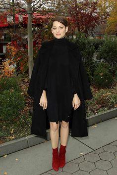 Top looks. De vestidos negros con apliques y prendas camel © Gtres Online/ Cordon Press/ Getty Images