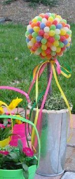 how to make a fun and colorful gumdrop topiary. (You could also use jelly beans for Easter.)